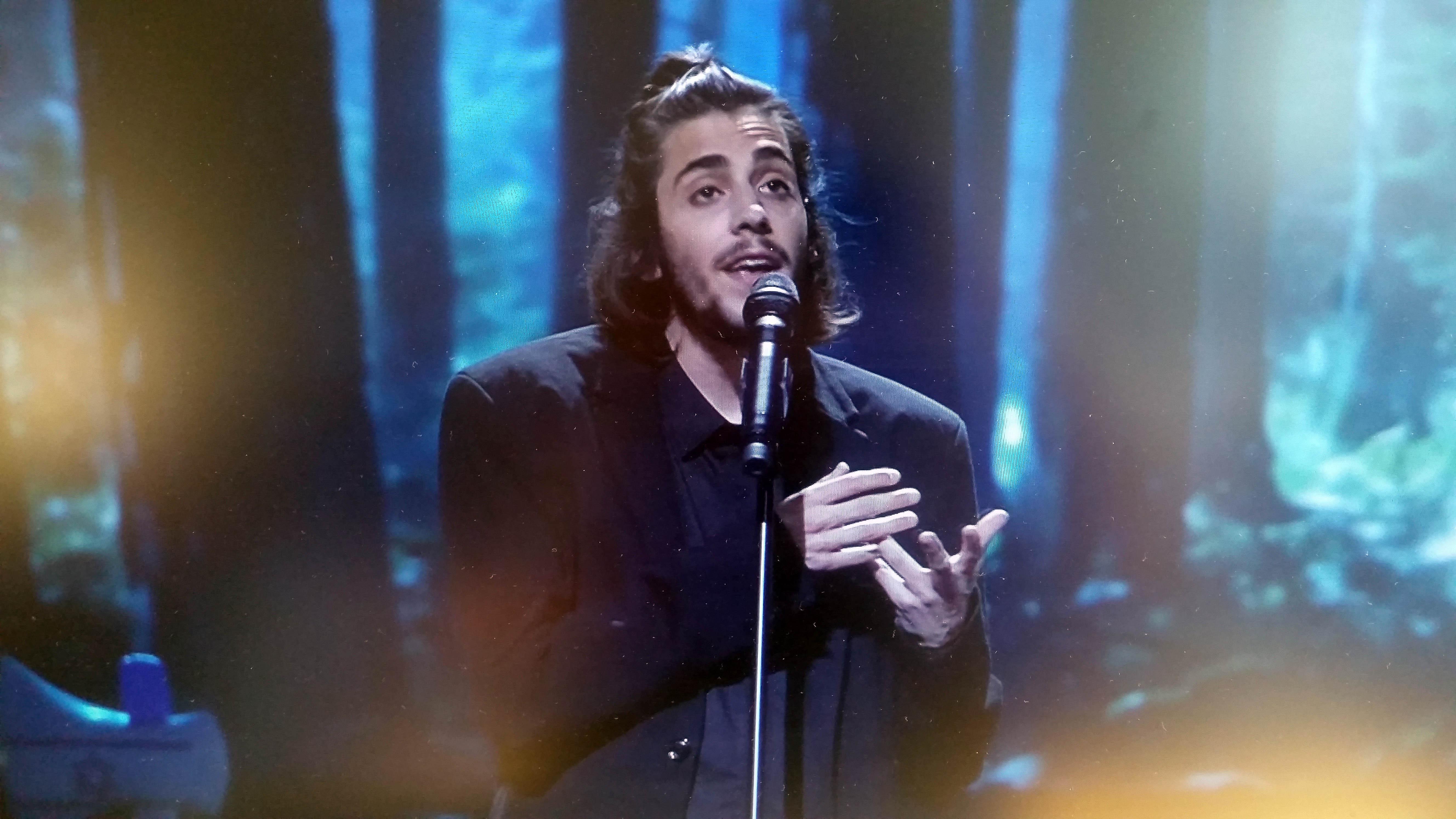 Sanger og sangskriver June Beltoft blogger om sin oplevelse af den nyslåede vinder af Eurovision 2017