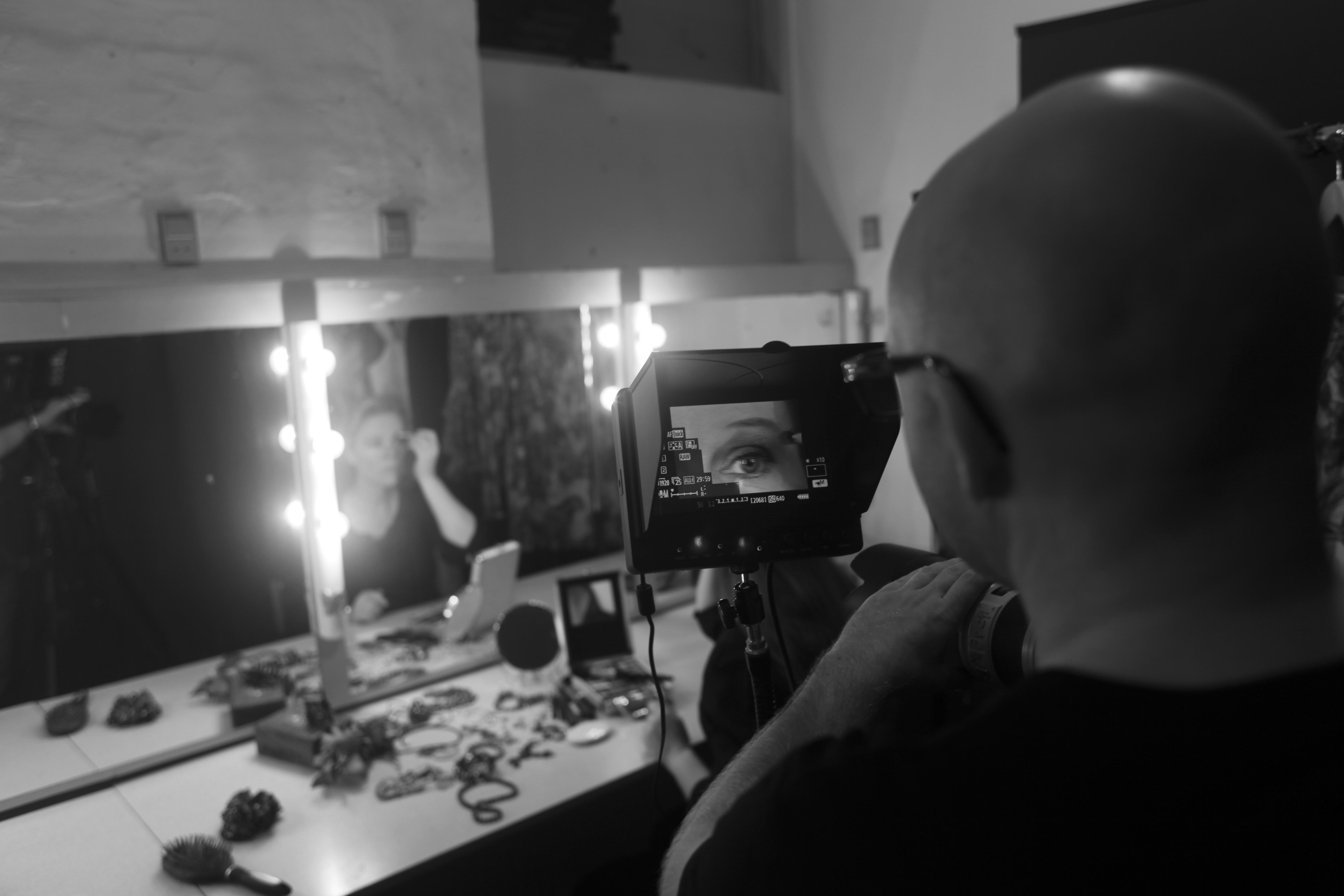 June Beltoft, musiker sanger og sangskriver. Sangen Edge of Yesterday er fra CD'en Alive, udgivet i 2013. Musik produceret af B-Joe. Musikvideo filmet og produceret af Jacob Crawfurd. Foto: Benjamin Bachdal