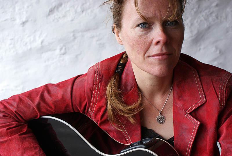 June Beltoft - musician, singer and songwriter