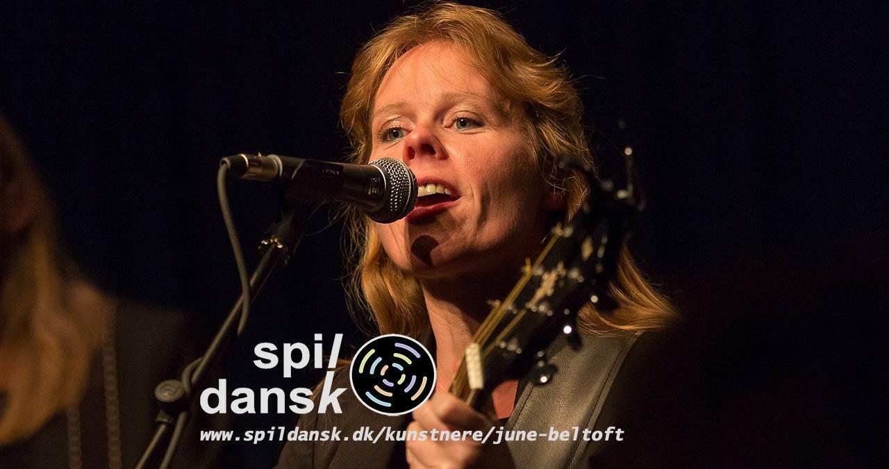 Check June Beltoft's kunstnerprofil ud på www.spildansk.dk/kunstnere/june-beltoft