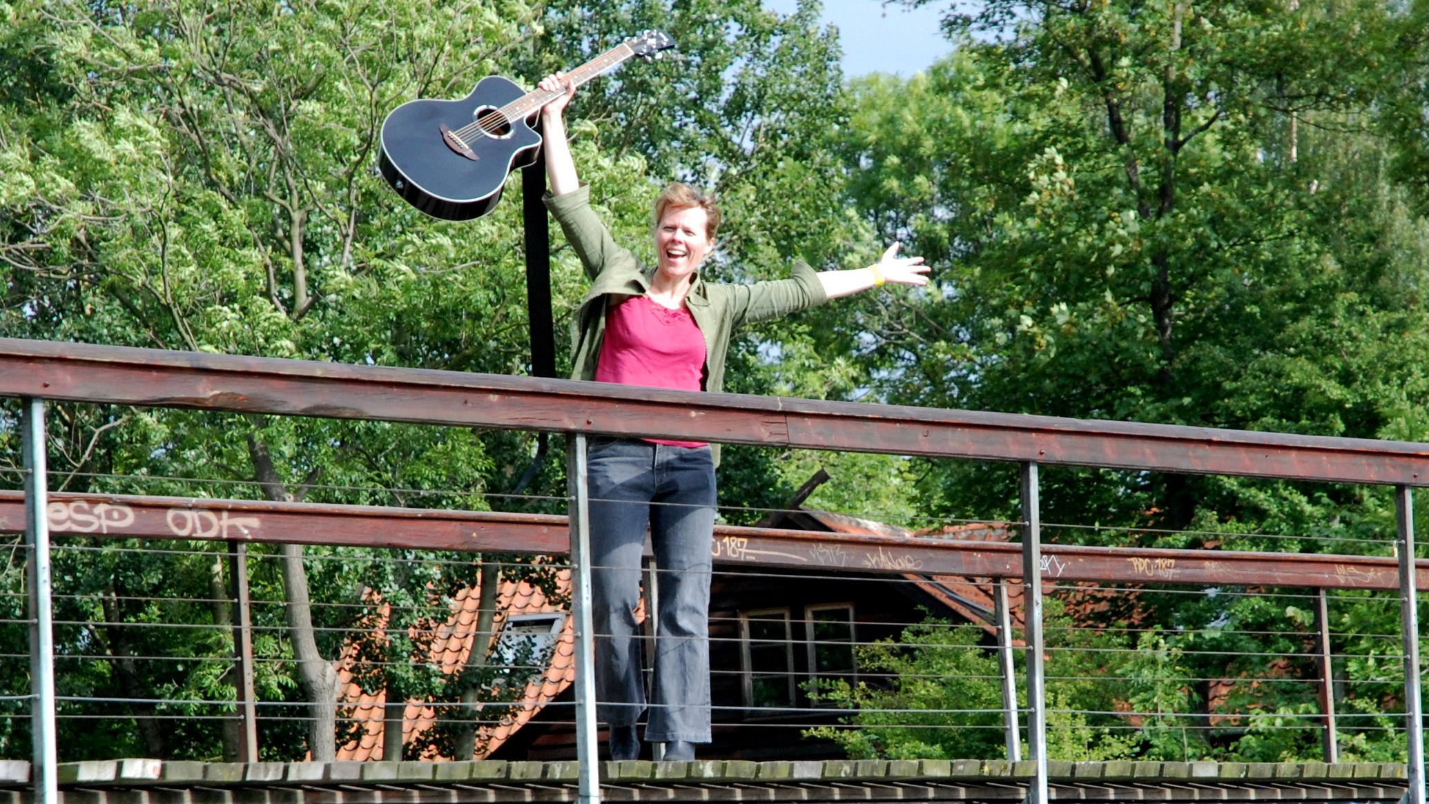June Beltoft singer-songwriter, musician and recording artist